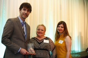 Arts & Entertainment Writing WINNER: JON WELLS, THE HAMILTON SPECTATOR with Ann-Marie Colacino, Senior Communications Officer and Tracey Shepherd, Bilingual Communications Officer, Ontario College of Trades
